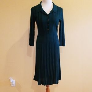 Dresses & Skirts - Dark Green Pleated Sweater Dress Size 6